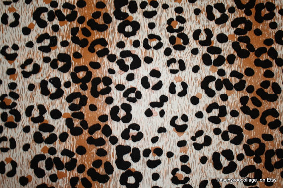 Flocked Leopard Wallpaper