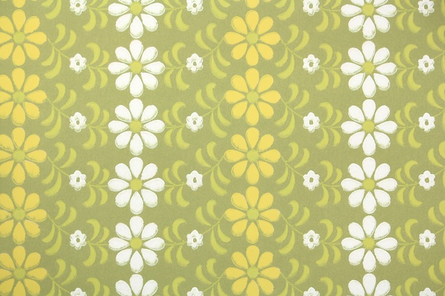 1930s European Daisy Vintage Wallpaper