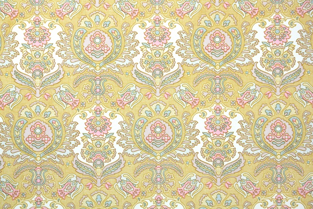 1970s damask vintage wallpaper from Hannahs Treasures