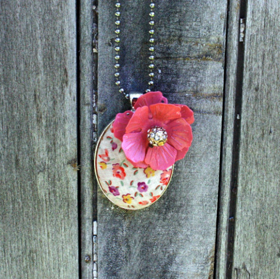 Feedsack Fabric Necklace from Mitzi's Collectibles on Etsy