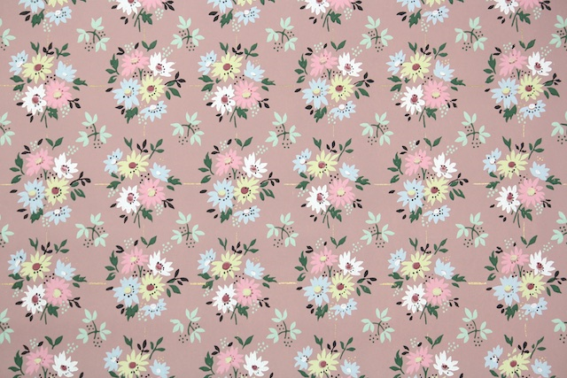 1940s Vintage Wallpaper from Hannah's Treasures