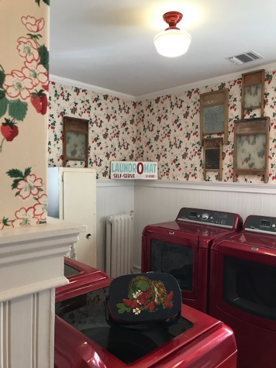 Aly's vintage wallpaper laundry room