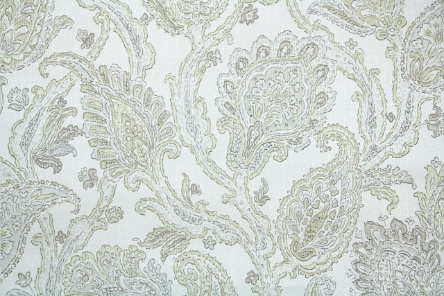 1930s European Paisley Vintage Wallpaper from Hannahs Treasures